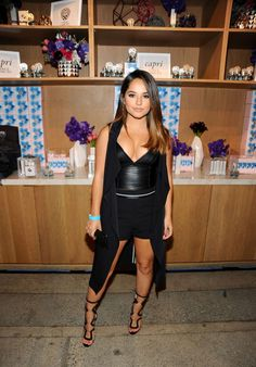 Becky G at Power of Young Hollywood Party in Los Angeles Becky G Outfits, All Black Trendy Outfits, Sexy Hot Girls, Short Girls, Becky G Makeup, Becky G Hair, Becky G Style, Selena, Fashion Models