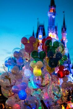 Orlando Theme Parks to visit This Summer I LOVE this picture! This is a MUST at Disney World.buy a Mickey Mouse balloon for your child!I LOVE this picture! This is a MUST at Disney World.buy a Mickey Mouse balloon for your child!