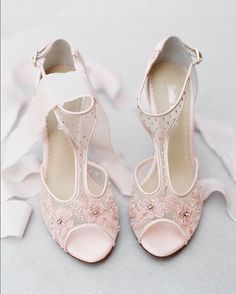 SO FABULOUS!!! Every blushing bride needs a pretty in pink pair of @bellabelleshoes!! #BellaBelleShoes