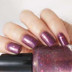 15 ml / 0.5 fl oz.%0A%0AFinish:Holo/shimmer%0A%0ACoverage:2-3 coats for full coverage%0A%0ALayering:Not necessary
