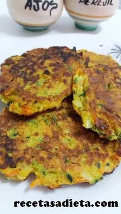 You can not miss these CALABACIN AND CARROT CAKES ! Easy, super healthy, gluten free and great ! Step by step recipe with photos saludables sin verduras recetas faciles Easy Salad Recipes, Veggie Recipes, Vegetarian Recipes, Healthy Recepies, Evening Meals, My Favorite Food, Food Photo, Food Hacks, Healthy Eating
