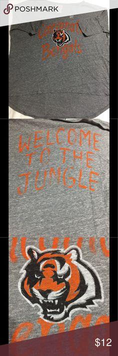 Junk Food Cincinnati Bengals Women's T-Shirt XL New unworn item. Flowy design - longer in back than front. Gray. Size XL. Junk Food Clothing Tops Tees - Short Sleeve