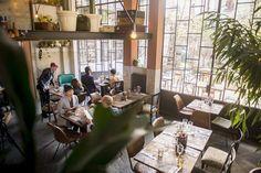Figli dei Fiori Bistrot nasce nel centro di Como in un vecchio deposito ferroviario, nel più rinomato shop di fiori del centro Lariano, dove l'incontro tra architettura e natura fanno da scenografia ad un bistrot dal gusto eclettico ed...