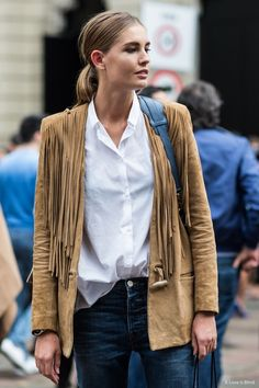 Fringe suede jacket/white button up/jeans Looks Style, Style Me, Mode Country, Suede Jacket, Passion For Fashion, Latest Fashion Trends, Ideias Fashion, Fashion Looks, Net Fashion