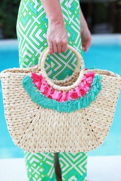 beach bag | via lemon stripes
