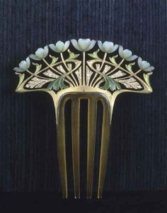 Faithful reproduction of a lovely Art Nouveau comb by Henri Dubret
