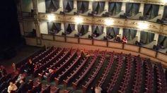 Teatro cervantes antes de la actuación
