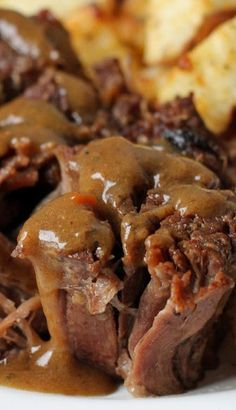 This Crock Pot Roast Recipe is one of our favorite Sunday dinners. It takes only 3 minutes of prep time and then the slow cooker does the. Pot Roast Recipes, Meat Recipes, Slow Cooker Recipes, Crockpot Recipes, Cooking Recipes, Game Recipes, Enchilada Pasta, I Love Food, Good Food