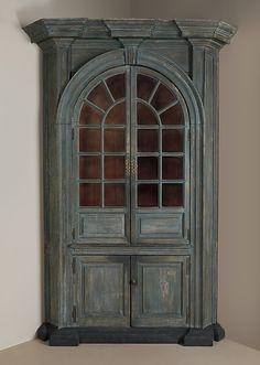 1761 American (Pennsylvania) Corner cupboard at the Metropolitan Museum of Art, New York