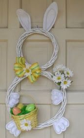 Look at these amazing Easter bunny decorations for this Easter. Bunnies are one of the important symbols for Easter holiday. There are very creative Easter Kids Crafts, Easter Crafts For Adults, Bunny Crafts, Hoppy Easter, Easter Eggs, Easter Tree, Spring Crafts, Holiday Crafts, Holiday Door Wreaths
