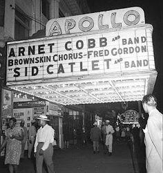 El teatro Apollo es uno de los más característicos de Estados Unidos. A lo largo de su historia muchos han sido los artistas que han actuado en él, por ejemplo: Stevie Wonder, Michael Jackson, James Brown...