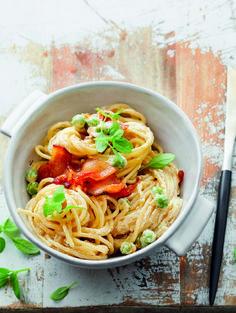 Dié staatmakerspaghetti sal gou-gou 'n gunsteling op weekaande word. Spaghetti, Pizza, Ethnic Recipes, Food, Essen, Meals, Yemek, Noodle, Eten