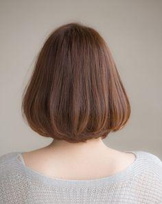 顔周りを包み込む「ふんわりボブ」で女性らしく | ページ 2 / 2 | LEE Hair Lights, Light Hair, Shot Hair Styles, Hair Styles 2014, Medium Hair Cuts, Medium Hair Styles, Hair Color For Morena Skin, Asian Short Hair, Short Bob Haircuts