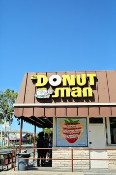 The Donut Man Glendora CA (the Best Donuts in Los Angeles). A fun twist on serving dessert at your event!
