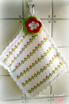 primrose: grytekluter Diy Scrub, Knit Dishcloth, Lace Knitting, Washing Clothes, Pot Holders, Free Pattern, Diy And Crafts, Blanket, Christmas Ornaments