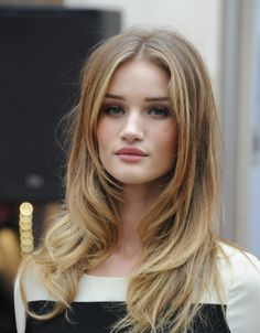 Face framing layers - Rosie Huntington-Whiteley