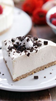Life is a combination of magic, cake and pie. This recipe has all three. Life is a combination of magic, cake and pie. This recipe has all three. Easy Desserts, Delicious Desserts, Dessert Recipes, Yummy Food, Summer Desserts, Yummy Treats, Sweet Treats, Pie Cake, Cheesecake Recipes