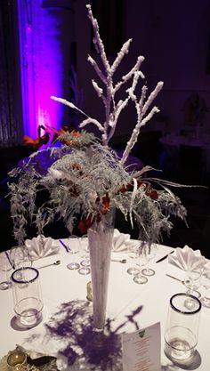 Blumendekoration. Eventdekoration. Weiß. Lichtelemente. Event. Design. WOW Events.