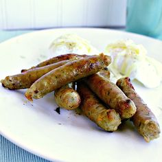 A lovely breakfast sausage with mild herbs and a hint of maple. Have fun making these sausage links at home! Recipes With Maple Sausage, Homemade Sausage Recipes, Keto Recipes, Homemade Breakfast Sausage, Breakfast Sausage Recipes, Breakfast Sausages, Homemade Bologna, How To Make Sausage, Sausage Making