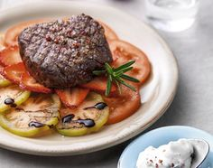 Rindsfilet mit Rosmarin-Quark - Rezeptdatenbank - Swissmilk Steak, Beef, Food, Quark Recipes, Meat, Food Food, Eten, Ox, Steaks