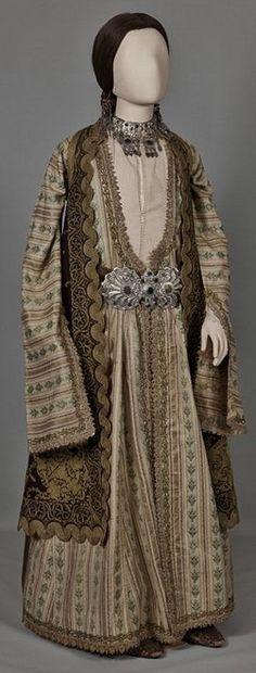Urban festive costume of Ioannina, Epirus. Greek Costumes, Dance Costumes, Greek Dancing, Greek Traditional Dress, Ottoman, Gypsy Costume, Ethnic Design, Greek Art, Greek Clothing