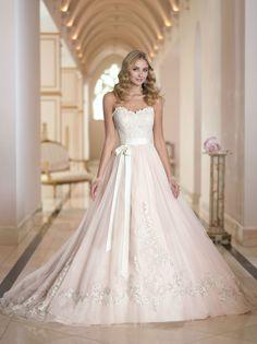 sweet #lace #ballgown #weddingdress by #stellayork @thebridalcottage