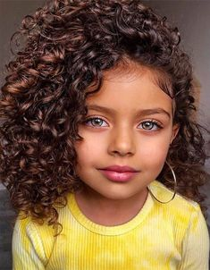 Best 2021 Kids Curly Hair Must Try Now Toddler Braided Hairstyles, Kids Curly Hairstyles, Pretty Hairstyles, Long Curly Hair, Curly Hair Styles, Curly Bangs, Curly Kids, Toddler Curly Hair, Curly Hair Baby