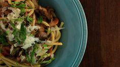 "Tomato Sauce with Mushrooms and ""Fat Spaghetti"""