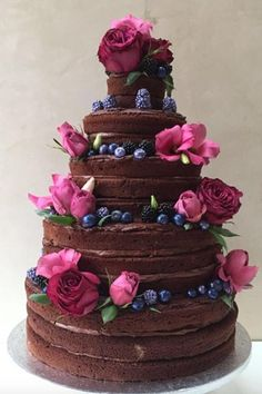 Lovely Nearly Naked Wedding Cakes for your Big Day