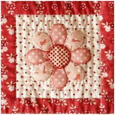 The Coconut Ice quilt everyone who loves to make Dresden Plate quilts.