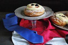 zeppole al forno con crema chantilly e amarene