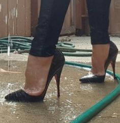 Why not water the garden in them. Sexy High Heels, Louboutin High Heels, Stiletto Shoes, Shoes Heels, Girls Wear, Beautiful Shoes, Cool Girl, Legs, Boots