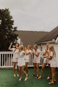 Kristen and Austin // Southern Charm Wedding at The Hawthorne House — Alyssa Barletter Photography Wedding Picture Poses, Wedding Photography Poses, Wedding Photography Inspiration, Wedding Photos, Wedding Inspiration, Bridal Party Getting Ready, Bridesmaid Getting Ready, Wedding Goals, Dream Wedding