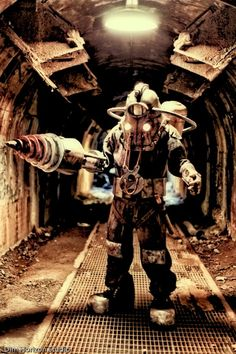 So COOL! Love this Big Daddy cosplay from Bioshock! - 8 Big Daddy and Big Sister Cosplays