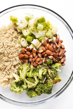 Roasted Leek & Broccoli Quinoa Salad -- light, flavorful and tossed in an AMAZING honey-lemon dressing!