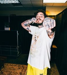 Post Malone Lyrics, Post Malone Quotes, Post Malone Wallpaper, Love Post, American Rappers, Daddy Issues, Celebs, Celebrities, Record Producer