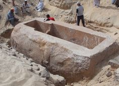 Archaeologists working at the southern Egyptian site of Abydos have discovered the tomb of a previously unknown pharaoh: Woseribre Senebkay—and the first material proof of a forgotten Abydos Dynasty, ca. 1650–1600 BC. #archaeology