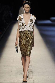 Dries Van Noten Spring 2009 Ready-to-Wear Fashion Show - Hanne Gaby Odiele (IMG)