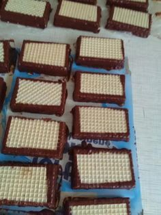 Domáce horalky.  - recept postup 4 Biscotti, Waffles, Deserts, Sweets, Chocolate, Baking, Breakfast, Food, Biscuits