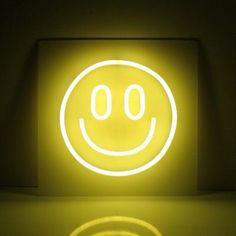 ยิ้มที่สดใส ?