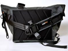 workhorse messenger bag-- bagaboo