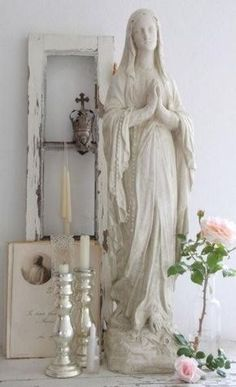 Nice for a little home-altar :) Blessed Mother Mary, Blessed Virgin Mary, Religious Icons, Religious Art, Religious Images, Madonna, Merci Marie, Prayer Corner, Home Altar