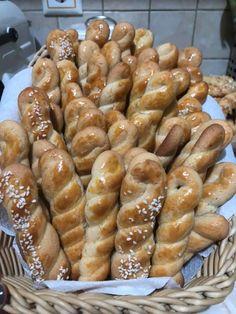 Greek Cookies, Sweet Desserts, Easter Recipes, Pretzel Bites, Biscotti, Tea Time, Sausage, Recipies, Bread