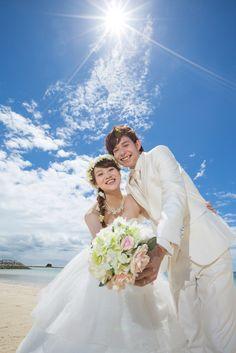 沖縄でのフォトウエディングなら、最先端のスタイリッシュな写真が撮れるThe DREAM Studio 夢工房(ワタベクリエイティブスタジオ)。まるでグラビア雑誌や映画のスチール写真のようなThe DREAM Studio 夢工房のフォトウェディングギャラリーをご覧頂けます。