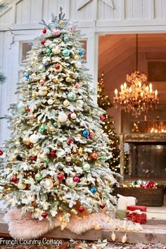 French Christmas Tree, Vintage White Christmas, Different Christmas Trees, French Country Christmas, Christmas Tree Branches, What Is Christmas, French Country Cottage, Christmas Past, Blue Christmas