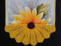 Pano de prato com crochê, 50x70, pintado a mão, com bico de crochê linha de seda