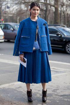 Street Style Paris Fashion Week - Street Style Photos from PFW - Elle Street Chic, Autumn Street Style, Street Style Women, Paris Street, Paris Fashion, Fashion Photo, Retro Fashion, Autumn Fashion, French Fashion