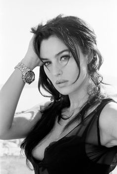 Ferdinando Scianna 1995 Monica Bellucci-Collection of various pictures in black and white /www.blogtematico.it