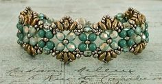 Linda's Crafty Inspirations: Bracelet of the Day: Flutter - Seafoam & Gold Beaded Braclets, Beaded Bracelet Patterns, Seed Bead Bracelets, Jewelry Bracelets, Beaded Necklace, Seed Beads, Jewellery, Super Duo Beads, Twin Beads