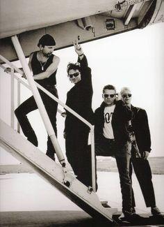 U2 #u2newsactualite #u2newsactualitepinterest #u2 #bono #theedge #adamclayton #larrymullen #music #rock